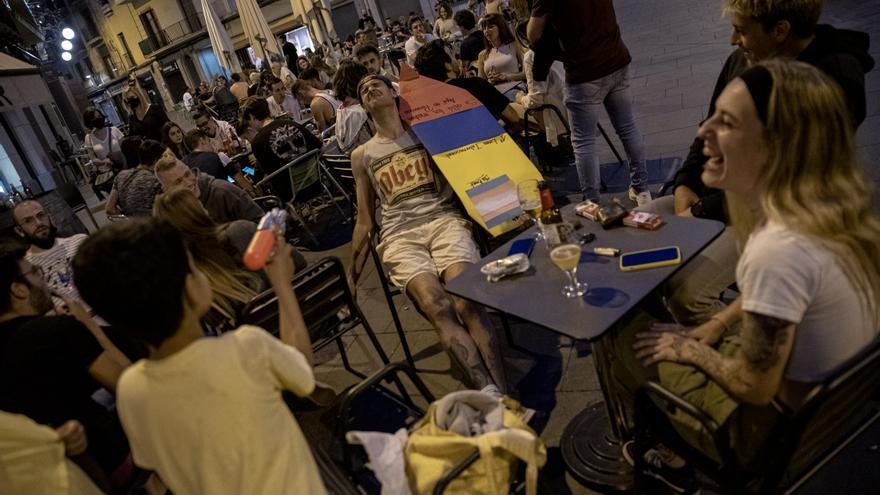 Catalunya elimina la limitació del número de persones en les trobades socials
