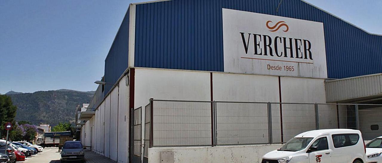 El impago de sueldos y cosechas sacude Benifairó tras el cierre de Frutas Vercher