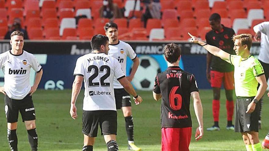 El motivo por el que Maxi Gómez fue expulsado ante la Real Sociedad