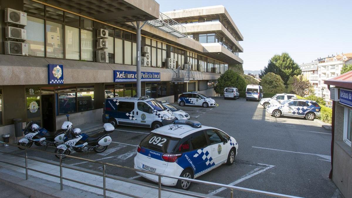 Parque móvil de la Policía Local de Vigo / FDV
