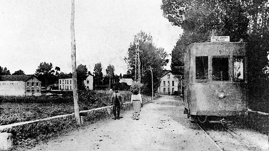 Avilés conmemora cien años de su primer tranvía