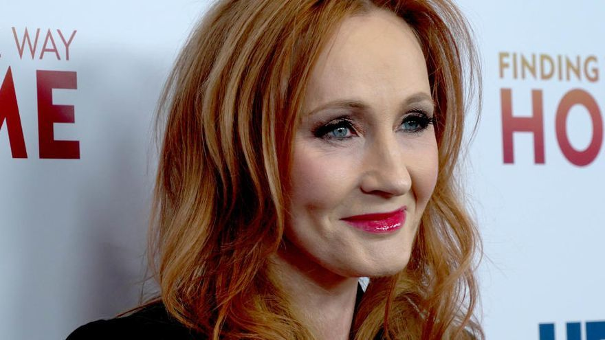 JK Rowling, acusada de transfòbia a Twitter