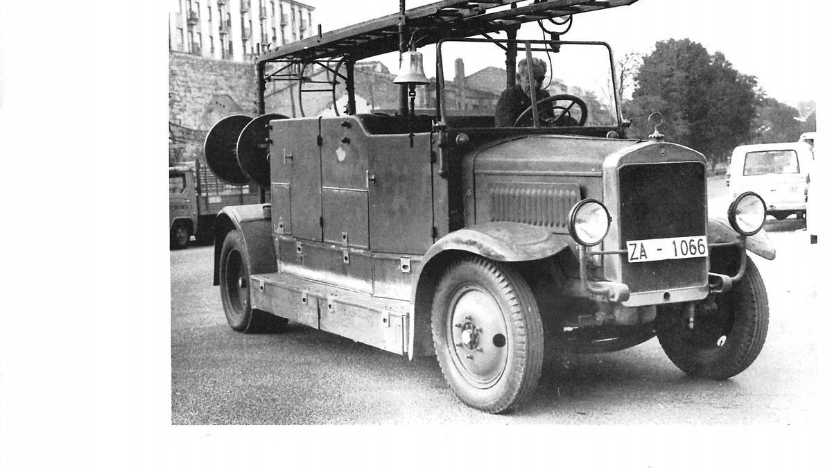 El primer camión de bomberos de Zamora