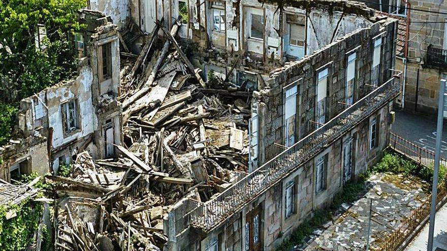 Un edificio protegido de Mondariz Balneario convertido en ruina