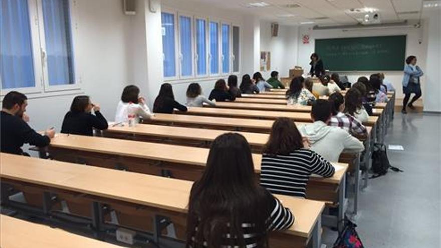 Andalucía limita ahora los exámenes de oposiciones a la Junta a 10 personas por aula y 50 por sede