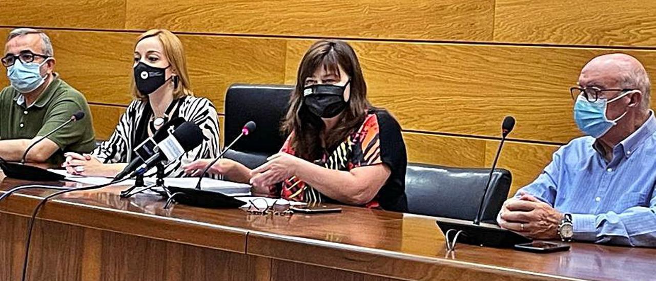 Representantes de la Mancomunitat y la Diputación, ayer, | LEVANTE-EMV