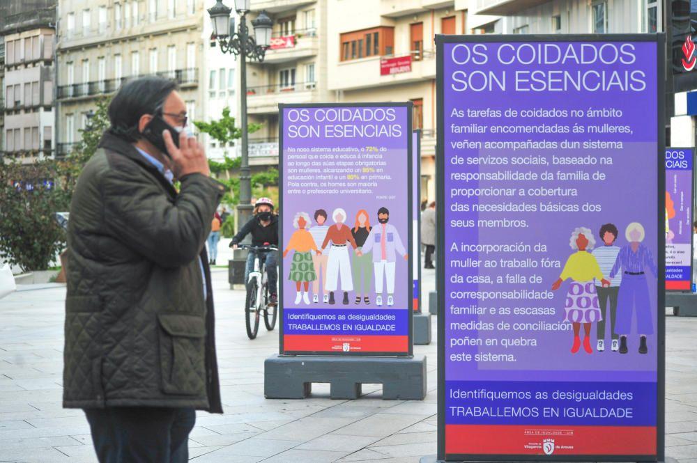 Los paneles de la exposición de la Plaza de Galicia. // Iñaki Abella