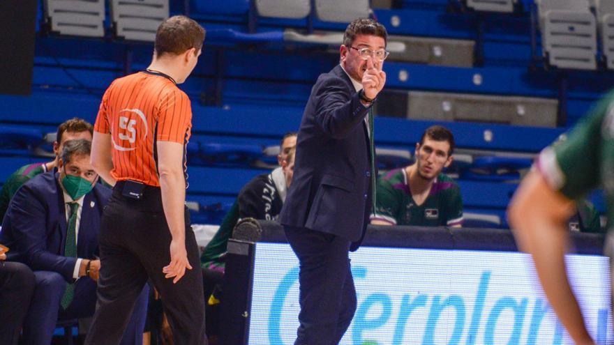 """Fotis Katsikaris: """"Tenemos que enfocarnos en nuestras virtudes y jugar un buen baloncesto"""""""