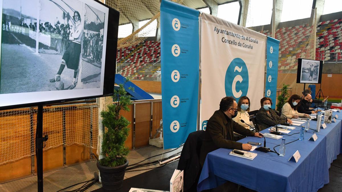 Presentación del libro 'Irene y las puertas del fútbol. Historia de una pionera'