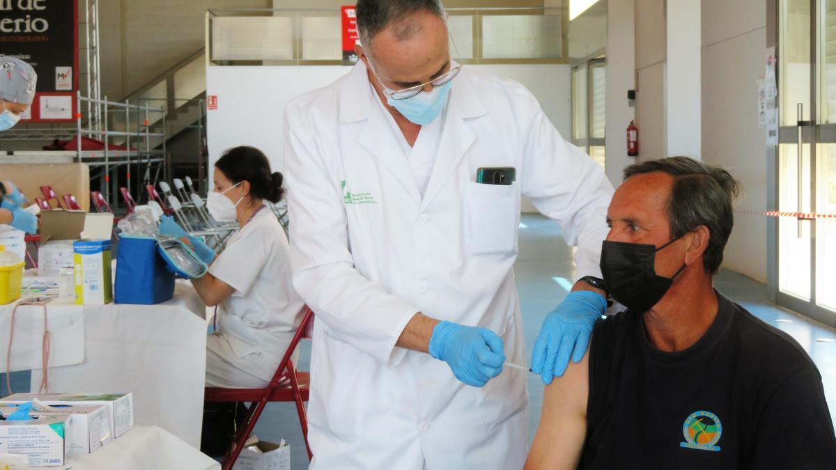 Vacunaciones masivas en el Pabellón Multiusos de Monesterio