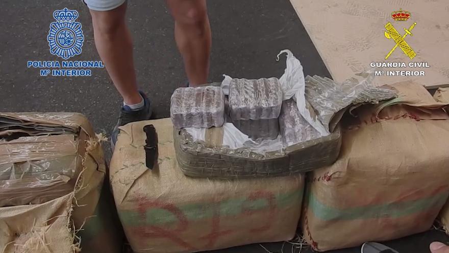 Incautadas cuatro toneladas de hachís a un grupo de narcotraficantes que utilizaba Canarias como nueva vía de entrada a España