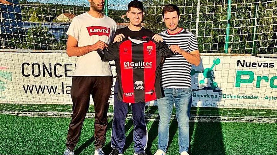 Brais Vila se incorpora al Lalín procedente del Agolada