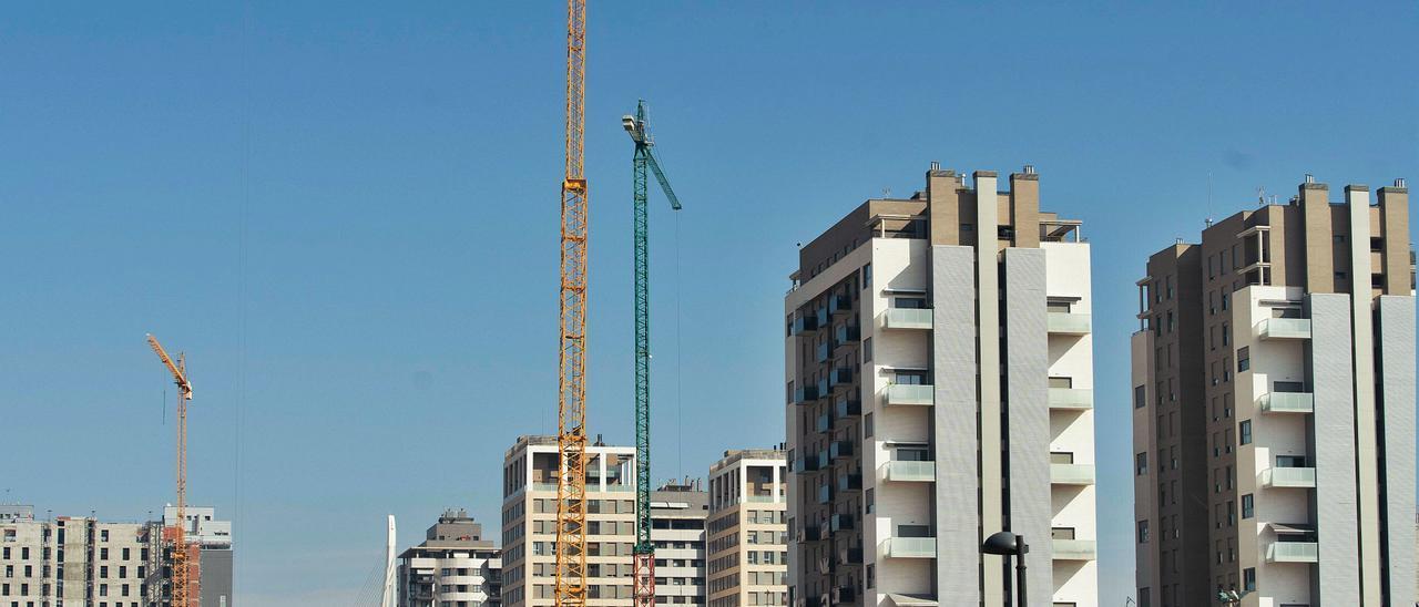 Viviendas en construcción en el PAI de Quatre Carreres de València.  germán caballero