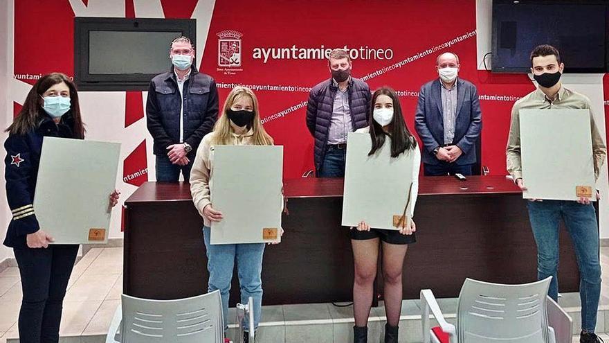 La Fundación Automáticos Tineo otorga diez becas a universitarios del concejo