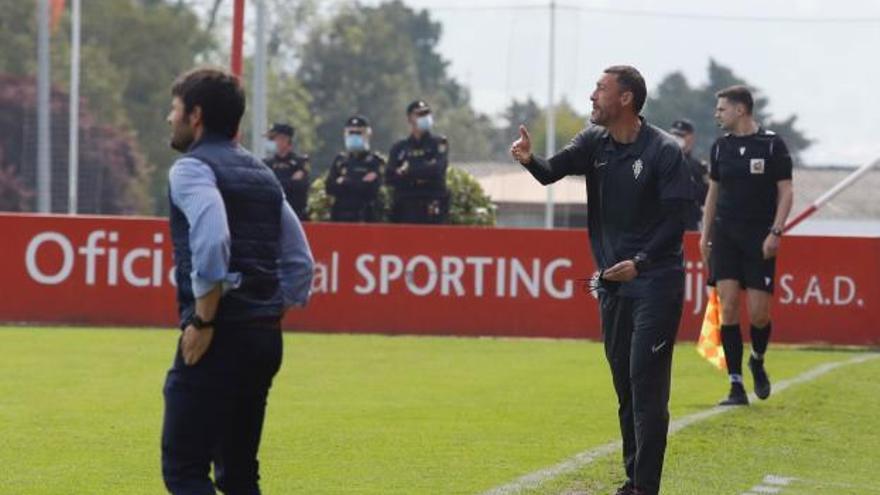 """Sergio Sánchez, entrenador del SportingB: """"Todo pasa por un pleno de triunfos"""""""