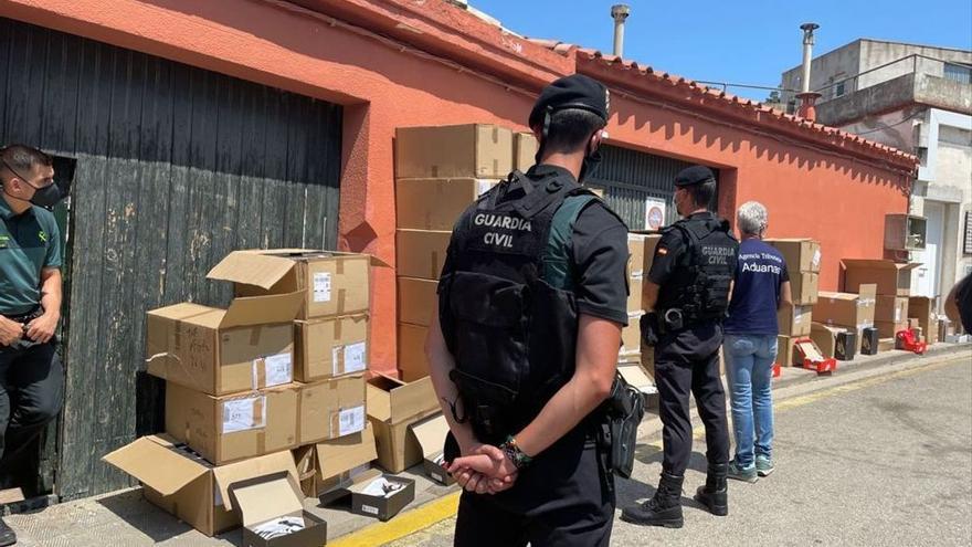 Golpe a las falsificaciones de ropa: detenidas 10 personas en Cataluña
