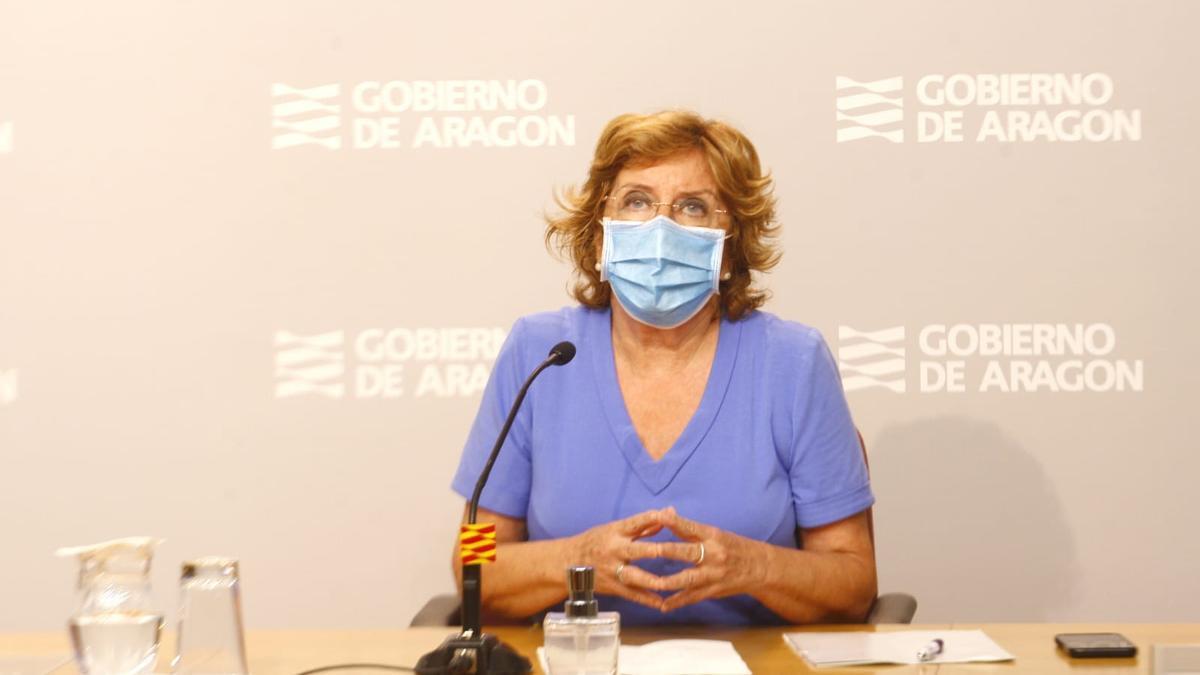 La consejera de Ciudadanía y Derechos Sociales del Gobierno de Aragón, aría Victoria Broto, ha comparecido este lunes en la sala de prensa del Edificio Pignatelli, para explicar las prestaciones que ofrece la comunidad.