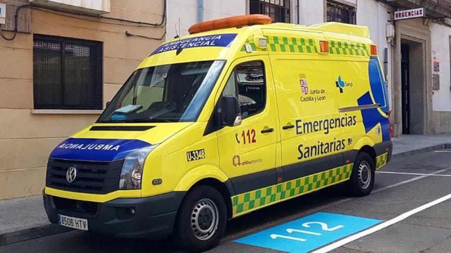Una ambulancia del servicio de emergencias del 112