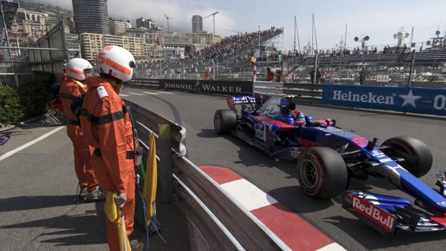 Vettel lidera, Sainz sorprende y Mercedes sufre en Mónaco