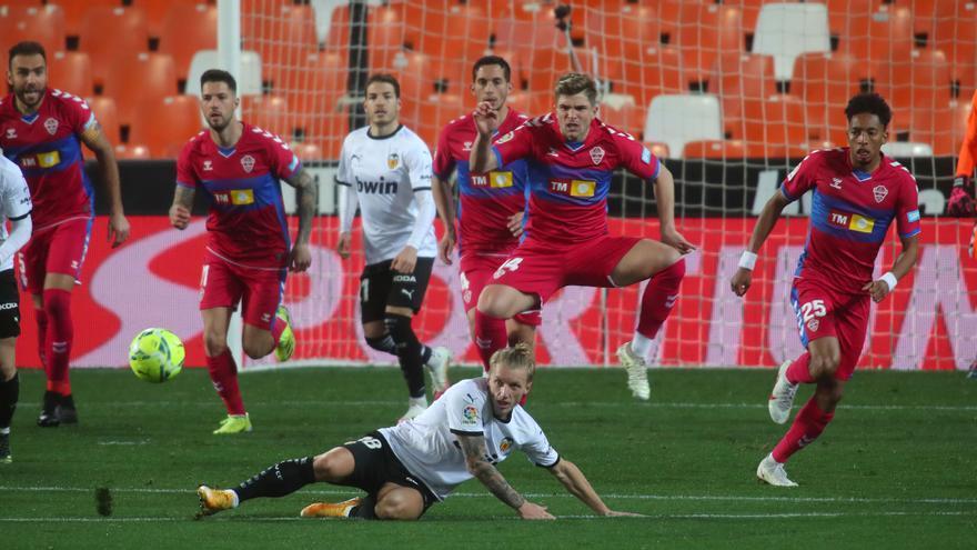 El Valencia CF ata tres puntos importantes