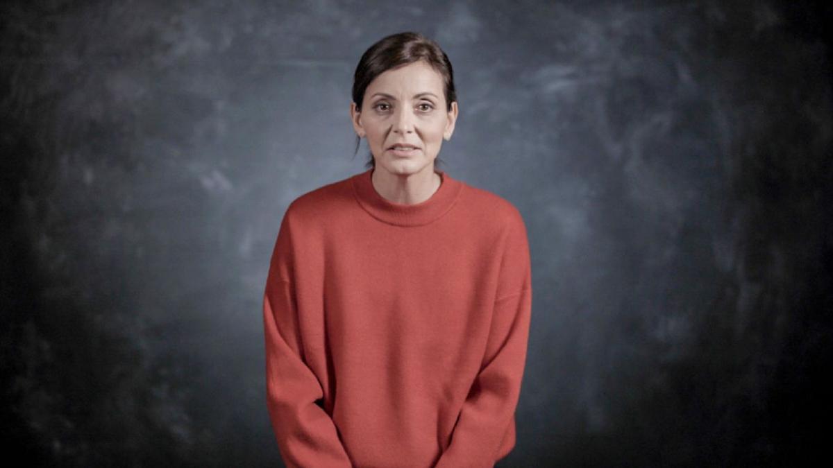 La economista Nevenka Fernández en la docuserie de Netflix.
