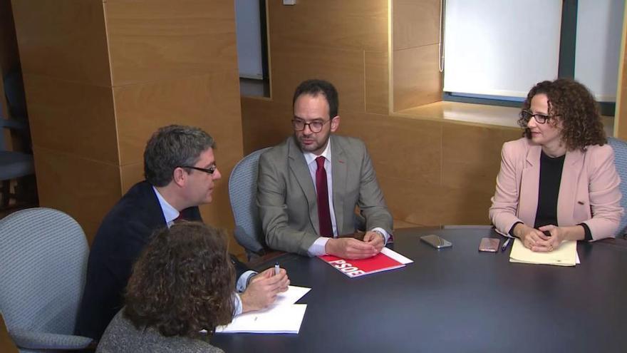 Gobierno y PSOE acuerdan prohibir los cortes de luz a hogares vulnerables