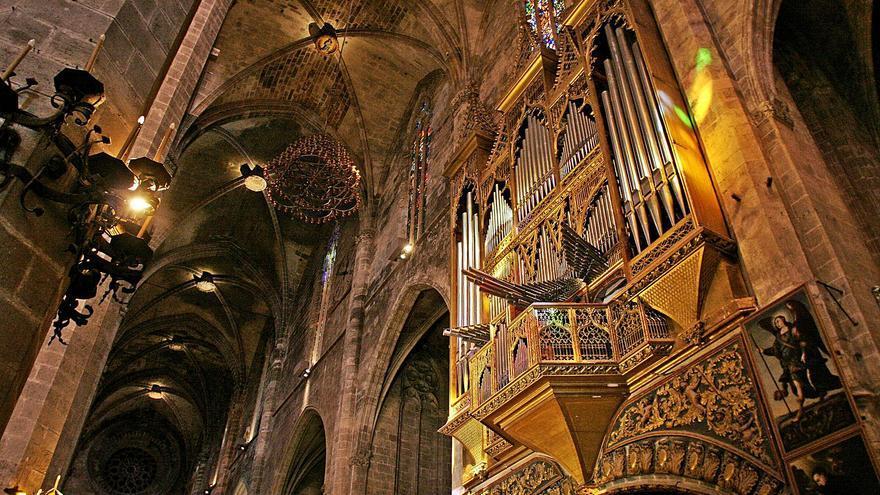 Los tubos del órgano mayor de la Catedral de Mallorca viajan a Holanda