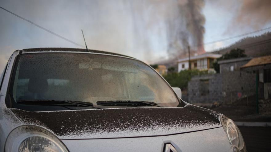 El magma sigue 'abombando' el terreno pese a la rotura de la erupción