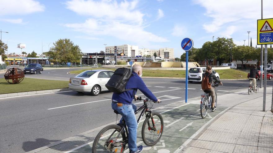 La Fiscalía pide una normativa común para ciclistas, peatones y patinetes en toda España