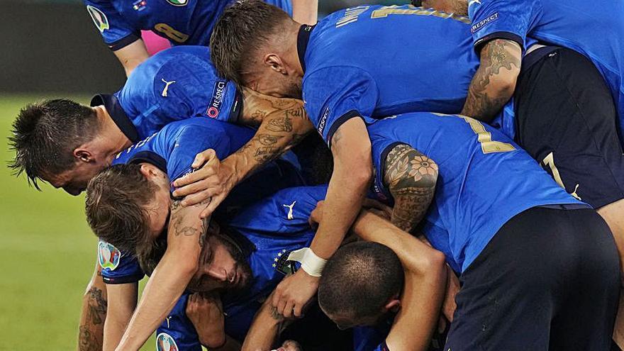Italia avanza con paso firme