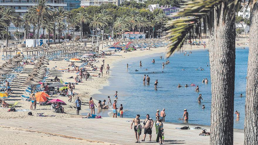 El Govern ha aumentado un 24% las plazas turísticas