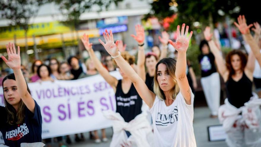 Protest gegen sexuelle Gewalt in britischer Urlauber-Hochburg Magaluf