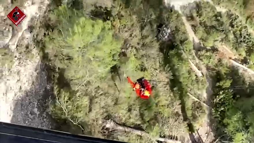 Rescatan a una mujer accidentada en Els Canalons de Alcoy