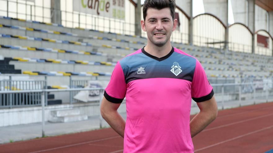 El jugador del Lealtad Álex Blanco, en el hospital tras desvanecerse en Soria