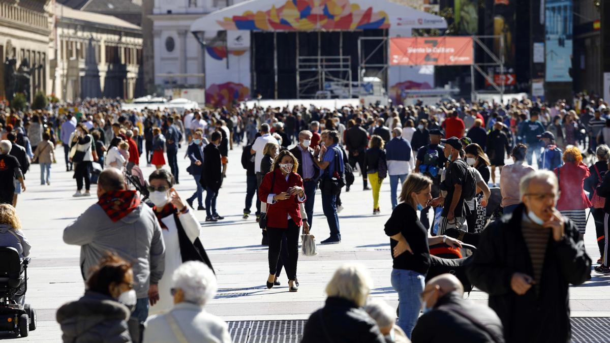 La plaza del Pilar en el primer día de las fiestas.