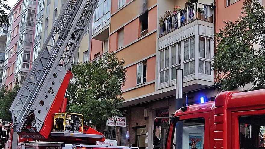 El Concello estudia ayudar a los afectados por el incendio urbano