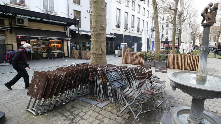 Bélgica avanza a la normalidad y Bruselas se quita la mascarilla en la calle