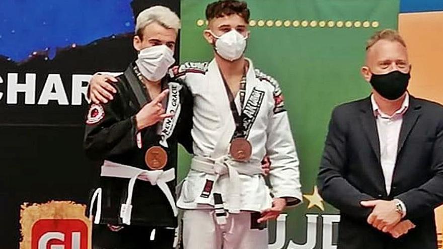 Podio europeo en brasilian jiu-jutsi de dos luchadores del Lluita Morvedre