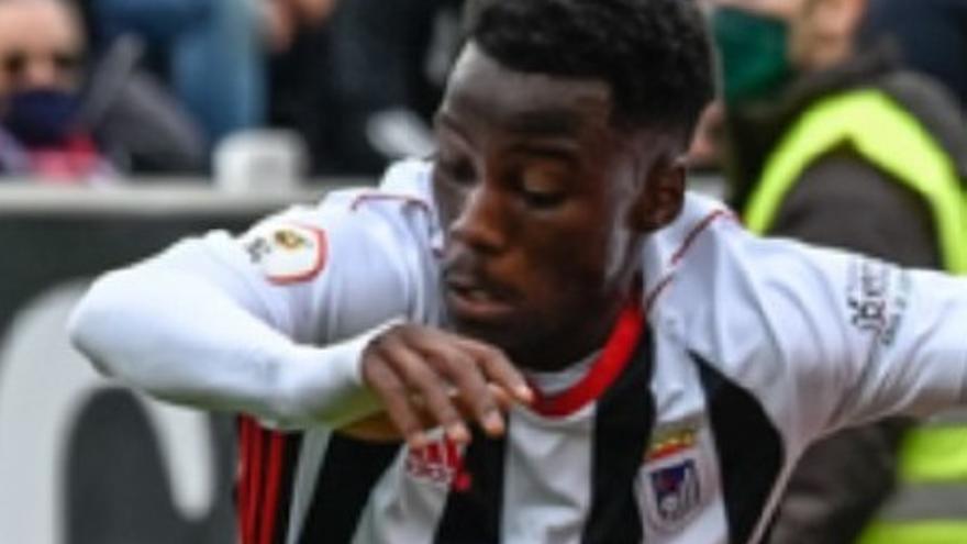 Adilson renueva en el Badajoz para las próximas dos temporadas