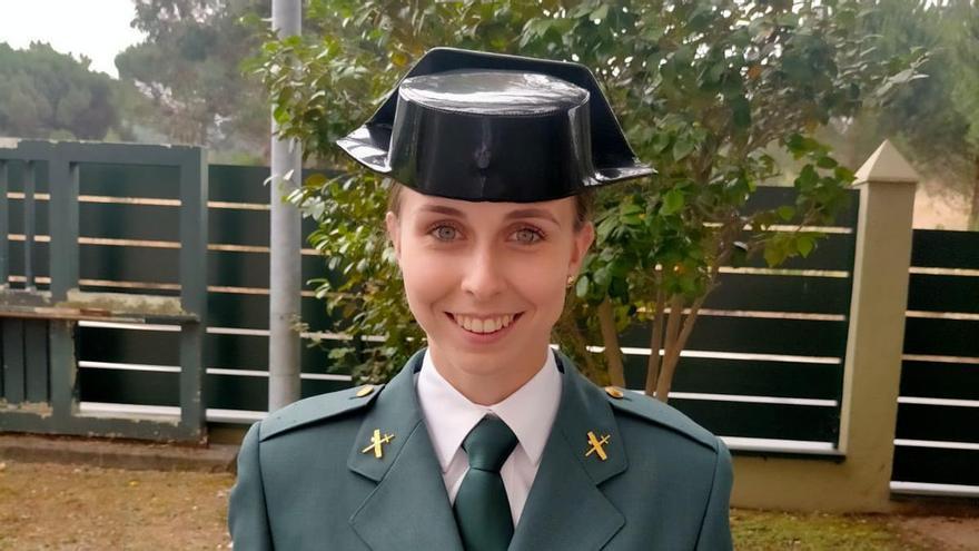 La número 1 de la Guardia Civil, una ourensana hija de agente