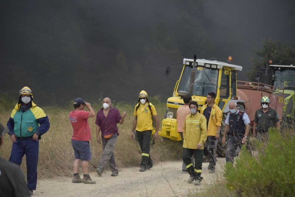 Incendi a la fàbrica Bo de debò a Sant Vicenç de Castellet