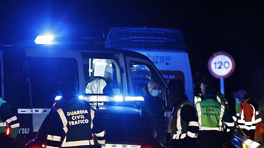 Investigan a dos personas por mensajes ofensivos contra el agente muerto en Mieres