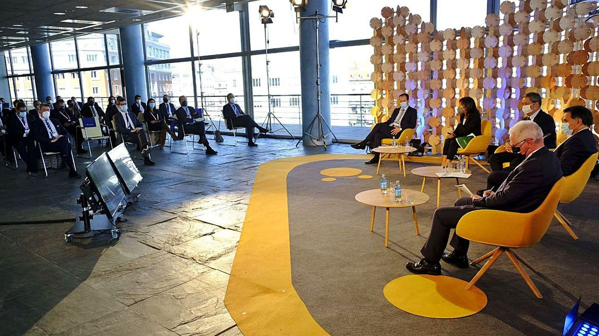 Primer Foro Industrial de Fondos Europeos de Recuperación, celebrado en A Coruña.    // L.O.
