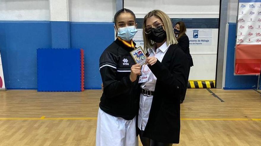 Marta y Paola García, con las selecciones españolas de karate