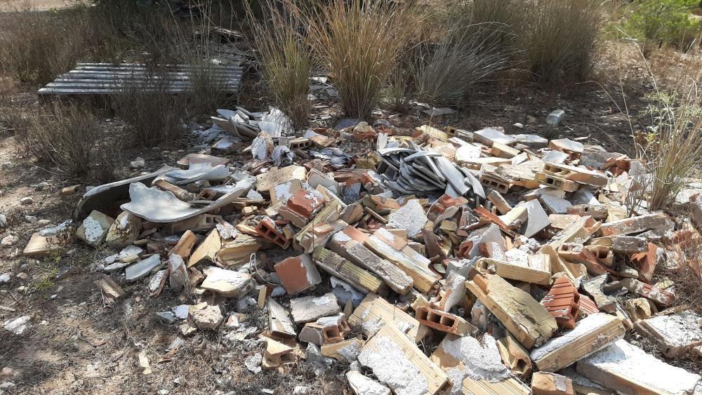Les Moles denuncia vertidos ilegales en Paterna