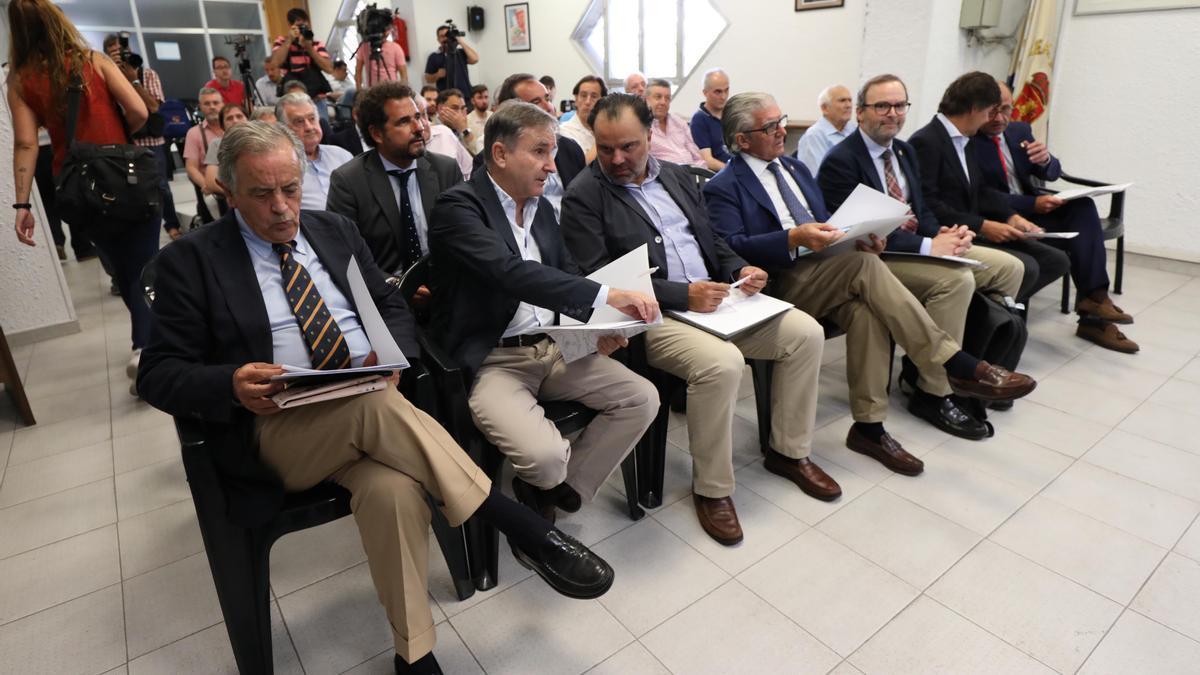 Blasco, Iribarren, Fernando de Yarza López-Madrazo, Fernando de Yarza, Sainz de Varanda, Uguet y Rodrigo, hace dos años en La Romareda.