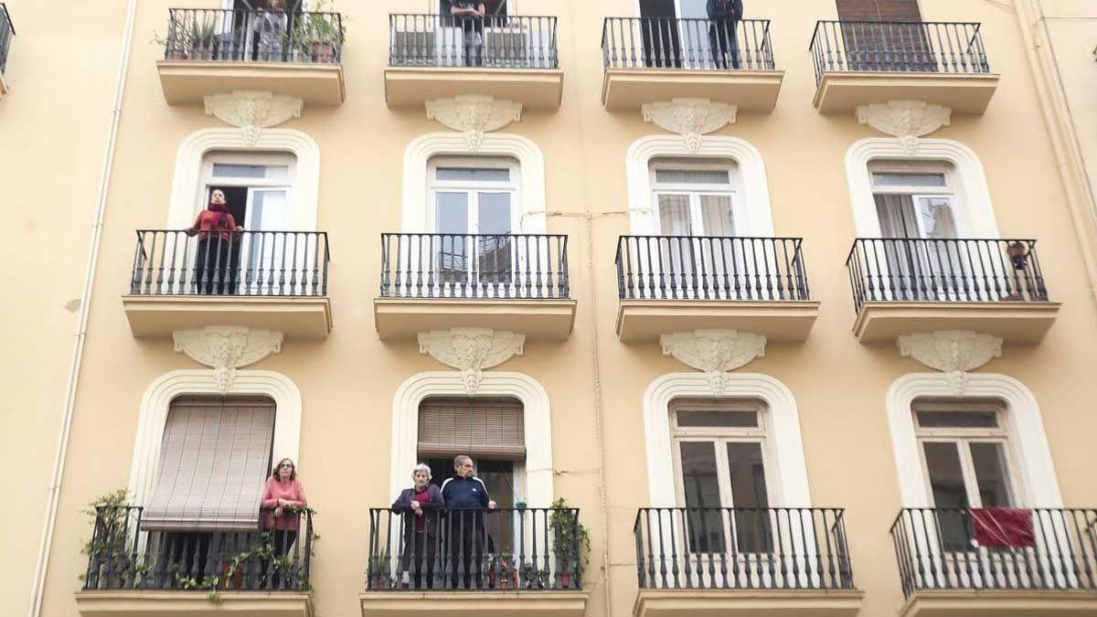 Desahucian a 16 familias en el centro de Valencia para construir 32 apartamentos turísticos