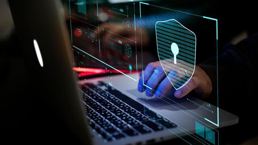 Peligros del teletrabajo: ¿me han 'hackeado' el ordenador?