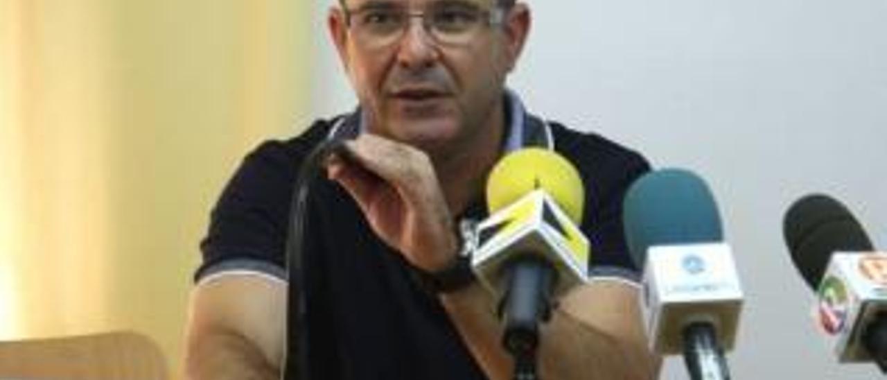 El alcalde destituye a tres miembros de la ejecutiva del PP de El Perelló