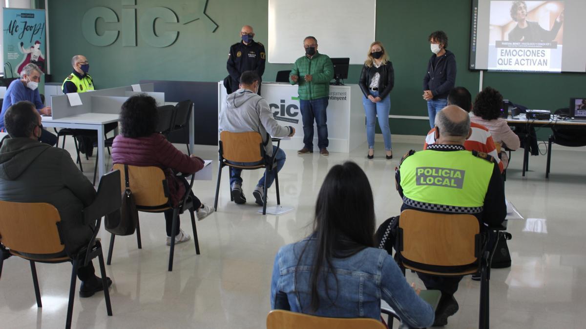La Policía Local de Ontinyent asiste a un curso de inteligencia emocional